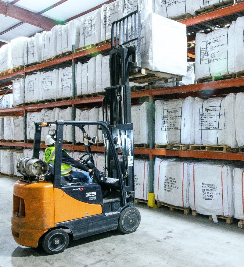Forklift_southern_packaging_crop 800px